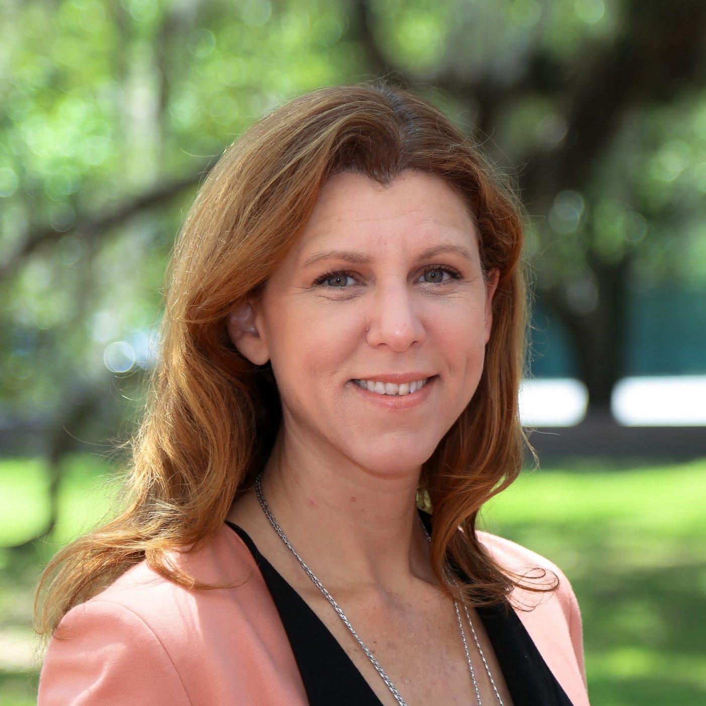 Kristin Dozier Headshot
